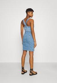ONLY - ONLAIA LIFE SPENCER DRESS - Denim dress - light blue denim - 2