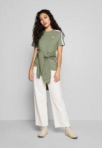 Fila Tall - TANDY TEE - Print T-shirt - sea spray/bright white - 1