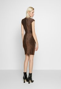 Club L London - METALLIC RUCHED FRONT MINI DRESS - Cocktail dress / Party dress - gold-coloured - 2