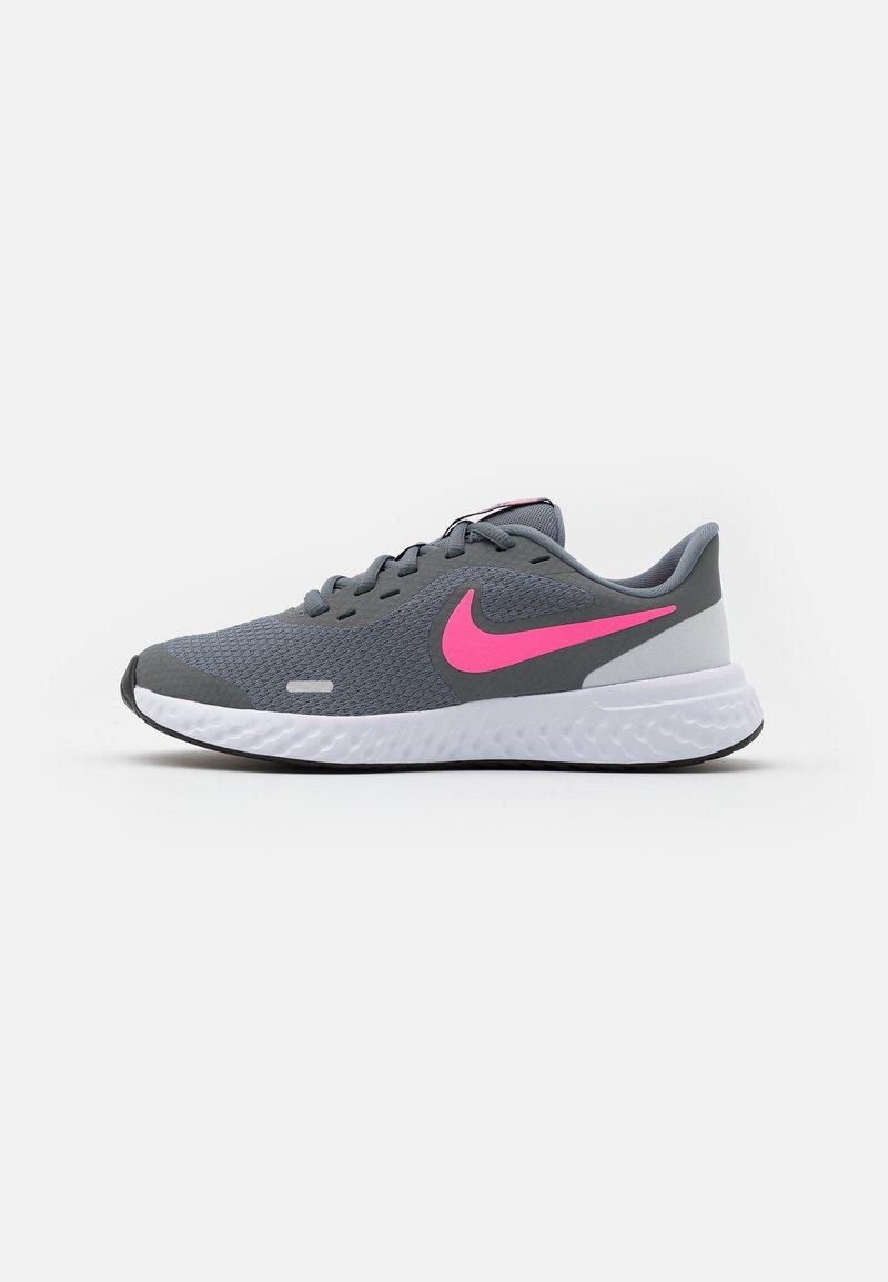 Nike Performance - REVOLUTION 5 UNISEX - Neutral running shoes - smoke grey/pink glow/photon dust/white
