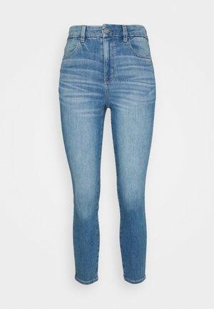 CURVY SUPER HIGH RISE CROP - Slim fit jeans - royally light