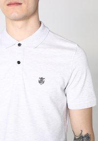 Selected Homme - SLHARO EMBROIDERY - Polo shirt - white melange - 3