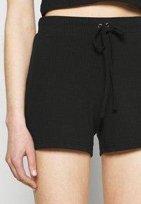 Vero Moda - VMARIA - Shorts - black - 4