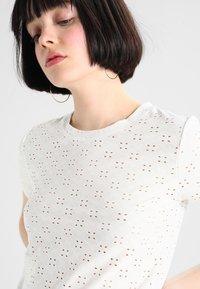 JDY - JDYCATHINKA - Print T-shirt - cloud dancer - 4