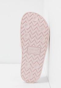 Levi's® - JUNE  - Mules - light pink - 6