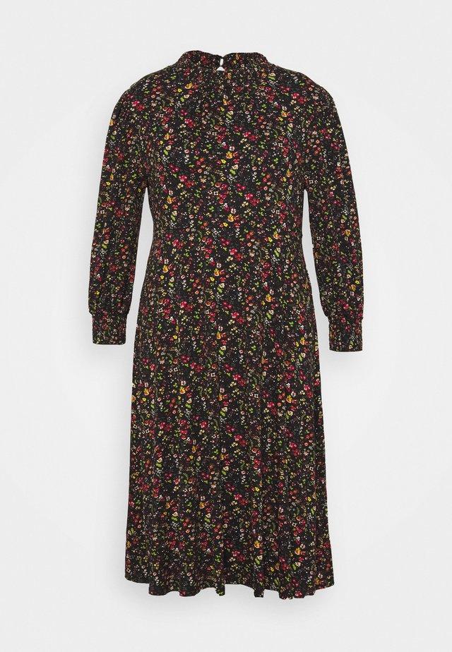 SHIRRED NECK MIDI FLORAL - Korte jurk - black