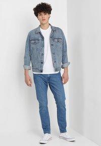 Levi's® - ORIGINAL TEE - T-shirt - bas - white - 1