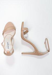 Steve Madden - STECY - Sandály na vysokém podpatku - natural - 1