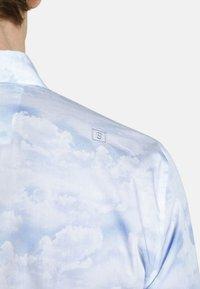 SHIRTMASTER - CHINESEBEAUTY - Chemise - light blue patterned - 2