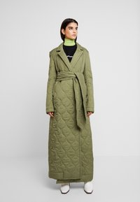 House of Holland - LONGLINE QUILTED TAILORED - Cappotto classico - khaki - 0