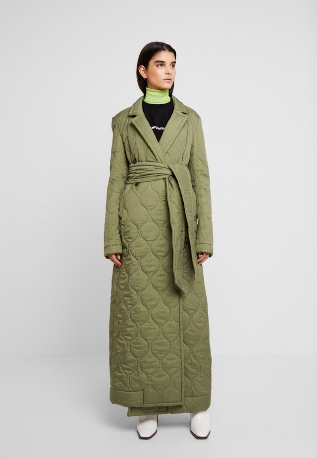 LONGLINE QUILTED TAILORED - Kåpe / frakk - khaki