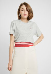 Fila - EARA TEE - T-shirts - light grey melange bros - 0