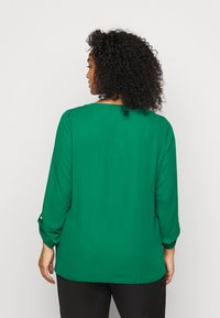 Dorothy Perkins Curve - CURVE PLAIN ROLL SLEEVE  - Long sleeved top - green - 2