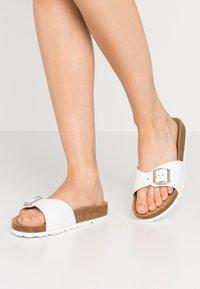 Tamaris - SLIDES - Slippers - white - 0