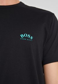 BOSS - Basic T-shirt - black - 5
