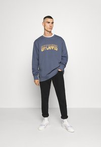 Mennace - OFF CAMPUS - Sweatshirt - navy - 1