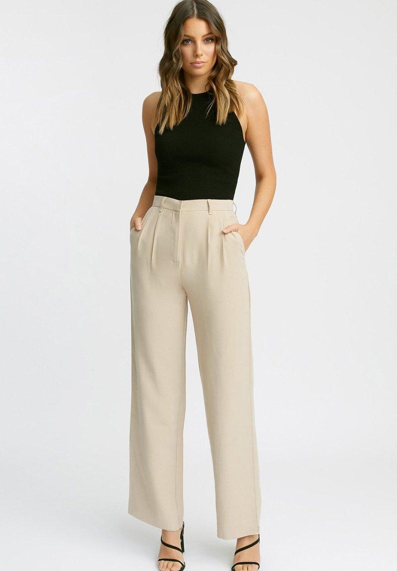 Kookai - MONTMARTRE - Trousers - ab-beige