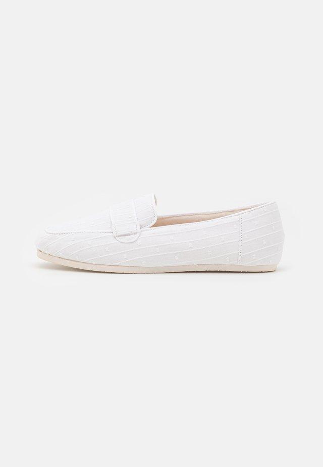 Pantofole - white