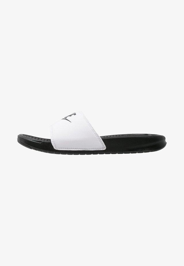 BENASSI JDI - Sandales de bain - white/black