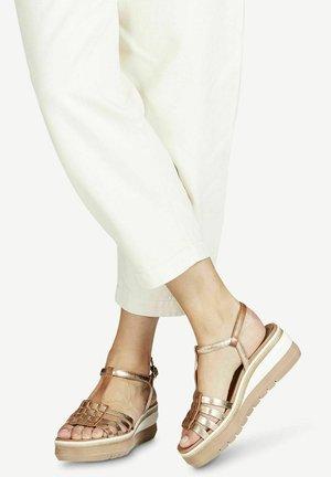 Sandalen met plateauzool - nut gold