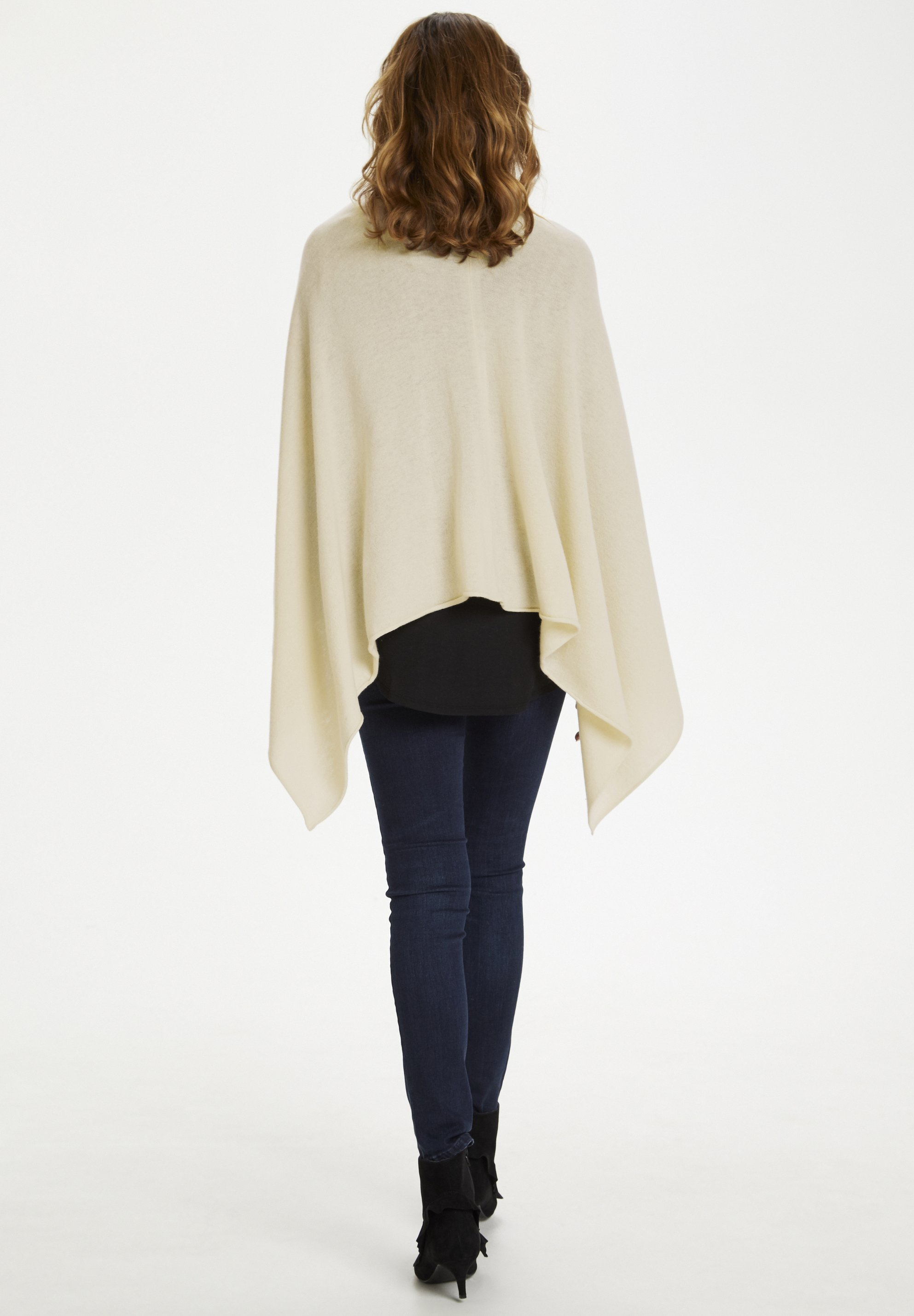 Part Two KRISTANNAPW  Cape offwhite/offwhite