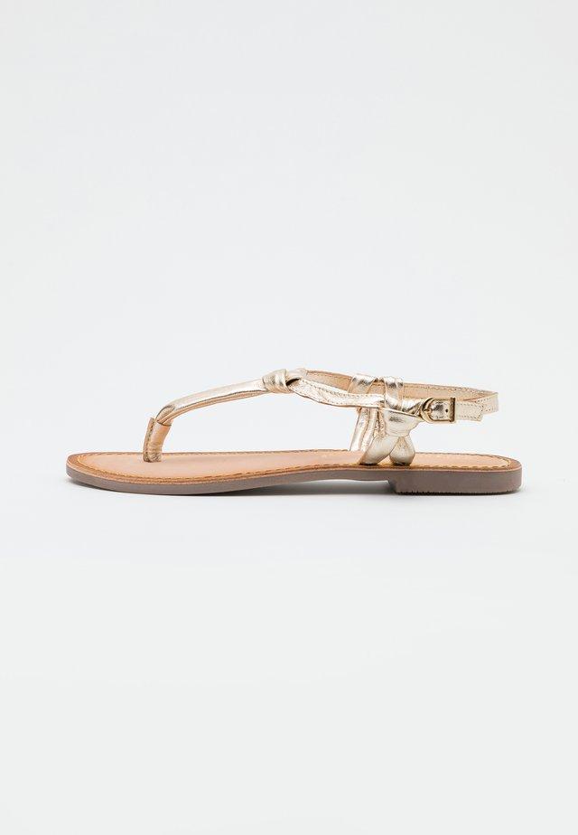 BORGIA - Sandály s odděleným palcem - oro
