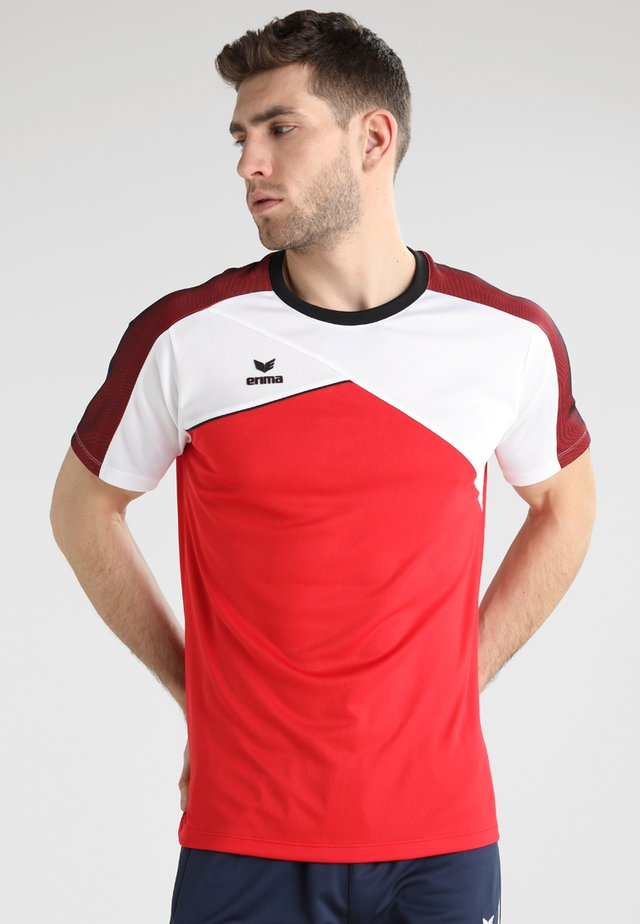PREMIUM ONE FUNCTION - Print T-shirt - red/white/black