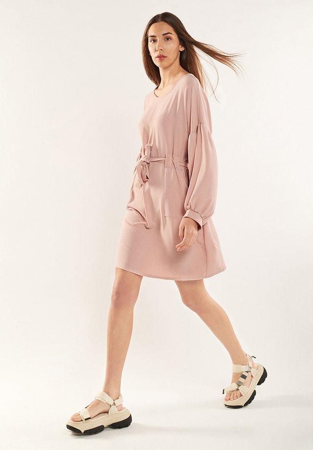 ESTELA - Day dress - rosa pastel
