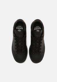 adidas Originals - SUSTAINABLE STAN SMITH UNISEX - Sneakersy niskie - core black - 3
