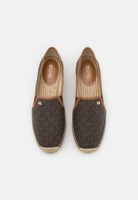 MICHAEL Michael Kors - HASTINGS SLIP ON - Espadrilles - brown - 3