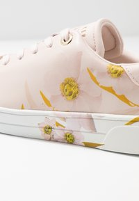 Ted Baker - LENNEC - Trainers - light pink - 2