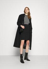 Morgan - Pouzdrové šaty - noir/offwhite - 1
