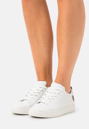 WOMENS SHOE LEE HEART - Sneakers laag - white
