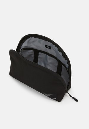 ESSENTIAL POUCH - Toiletti-/meikkilaukku - black/cool grey