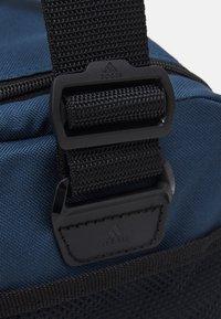 adidas Performance - LINEAR DUFFEL S UNISEX - Treningsbag - crew navy/black/white - 3