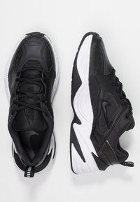 Nike Sportswear - M2K TEKNO - Sneakersy niskie - black/oil grey/white