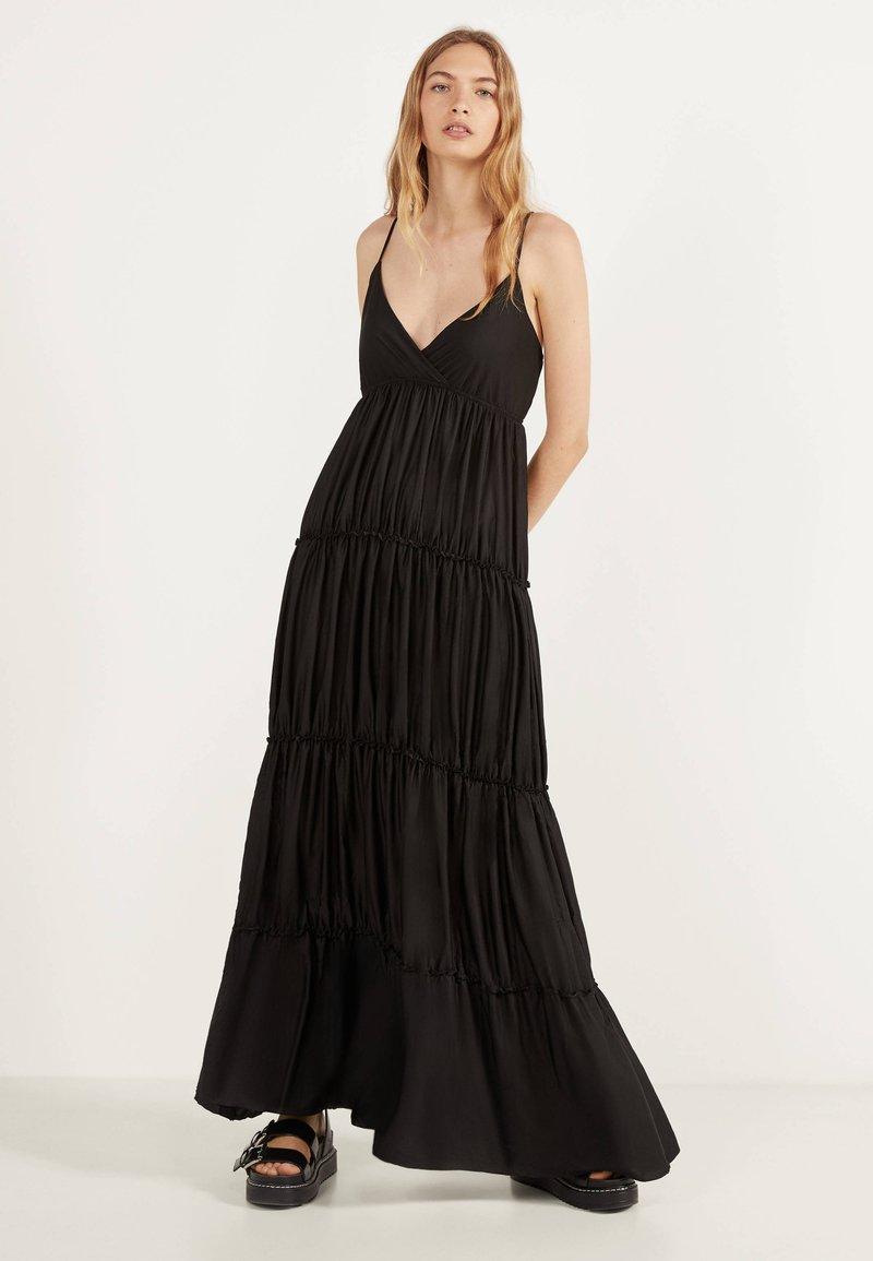 Bershka - MIT TRÄGERN - Maxi dress - black