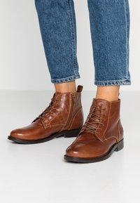 Apple of Eden - DEMI - Kotníková obuv - brown - 0