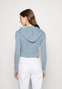 BDG Urban Outfitters - CROPPED ZIP HOODIE - Zip-up sweatshirt - baby blue - 2
