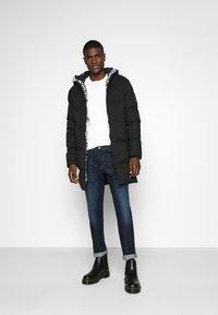 Alessandro Zavetti - ZAVETTI CANADA SALVINO LONGLINE PUFFER - Winter coat - black - 1