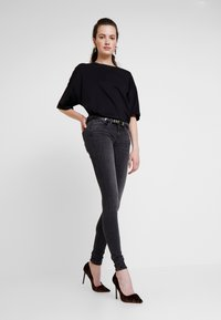 ONLY - ONLCORAL - Jeans Skinny Fit - dark grey denim - 1