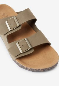 Next - BROWN TWO BUCKLE SANDAL - Pantoffels - taupe - 5