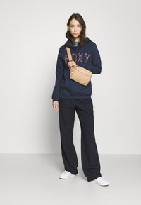Roxy - RIGHT ON TIME - Jersey con capucha - mood indigo - 1