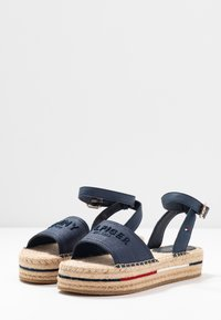 Tommy Hilfiger - TROPICAL FADE OPENED - Alpargatas - sport navy - 4