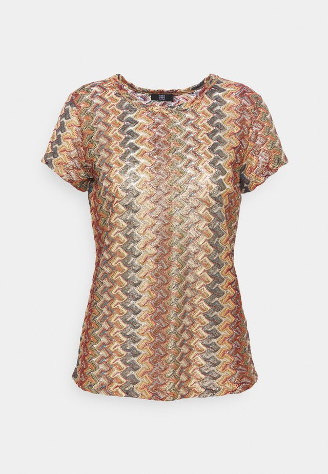 T-shirt con stampa - multicolour