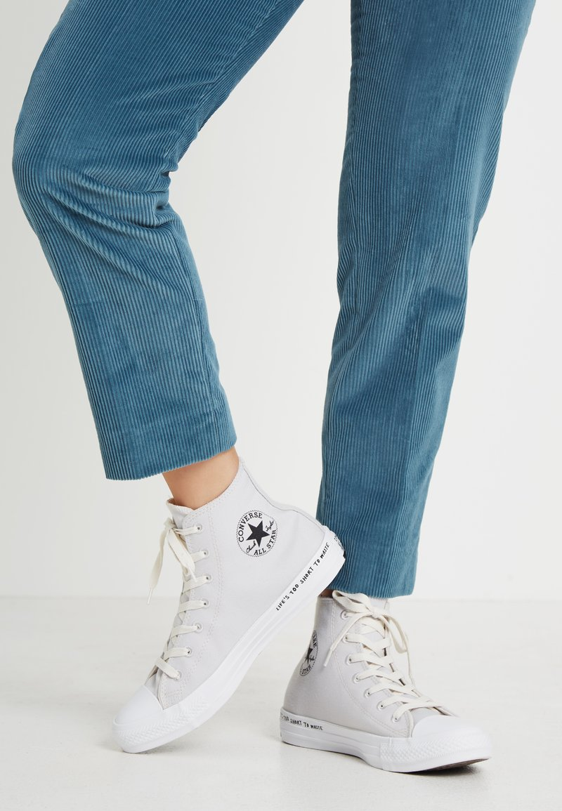Converse - CHUCK TAYLOR ALL STAR HI RENEW - High-top trainers - pale putty/black/white