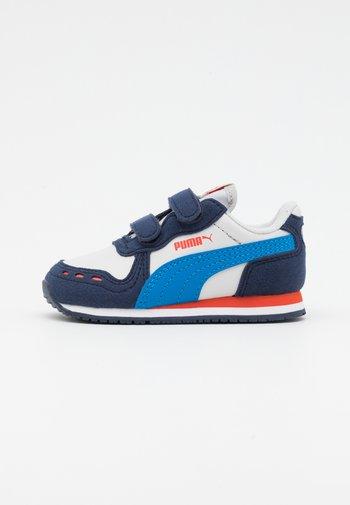 CABANA RACER - Sneakersy niskie - nimbus cloud/future blue