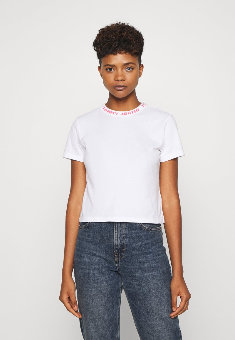 Tommy Jeans - BRANDED NECK TEE - Print T-shirt - white