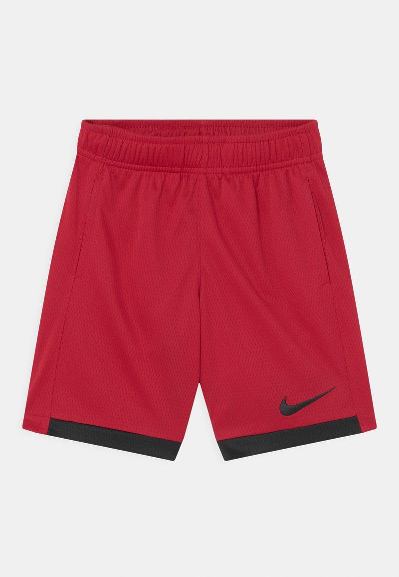 Nike Sportswear - TROPHY UNISEX - Short - gym red/black