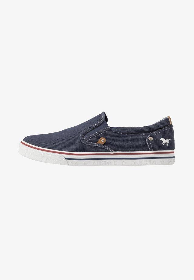 Nazouvací boty - dunkelblau